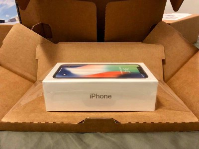 Apple iPhone X 64GB 420euro i Samsung S9