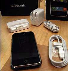 FOR SALE NEW APPLE IPHONE 3G,S 16/32GB @ 450 EURO