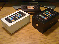 Unlocked Apple iPhone 3G 16GB $300usd