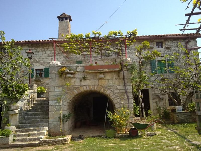 OLD ISTRIAN HOUSE RENOVATED IN ISTRIAN